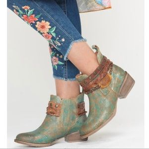 🆕Circle G by Corral turquoise leather ankle boots